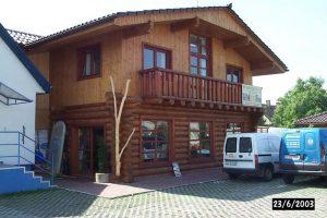 drevená stavba chata