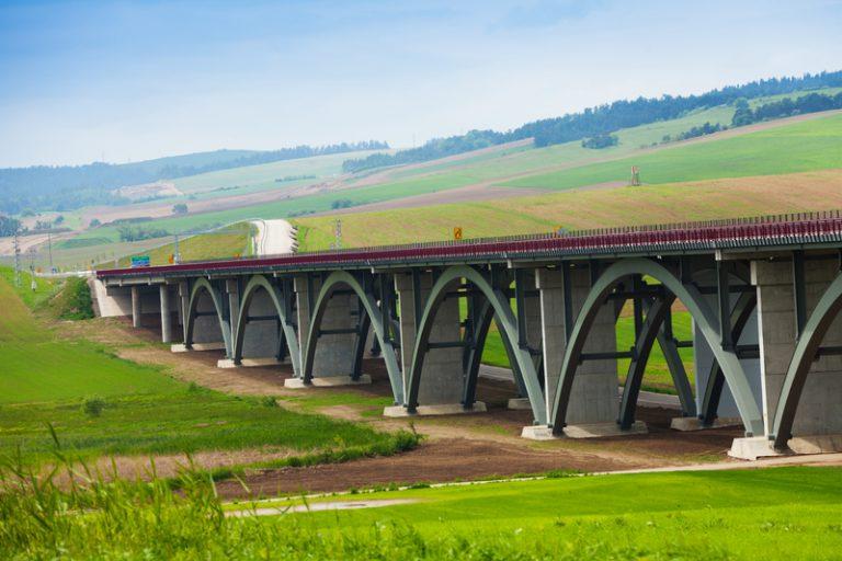 Nátery kovových mostných konštrukcií